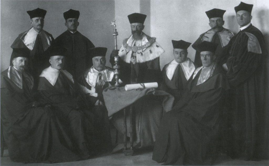 Uniwersytet Stefana Batorego... 2